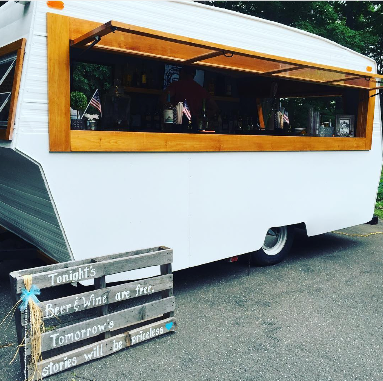 The Mobile Pub - Food Truck
